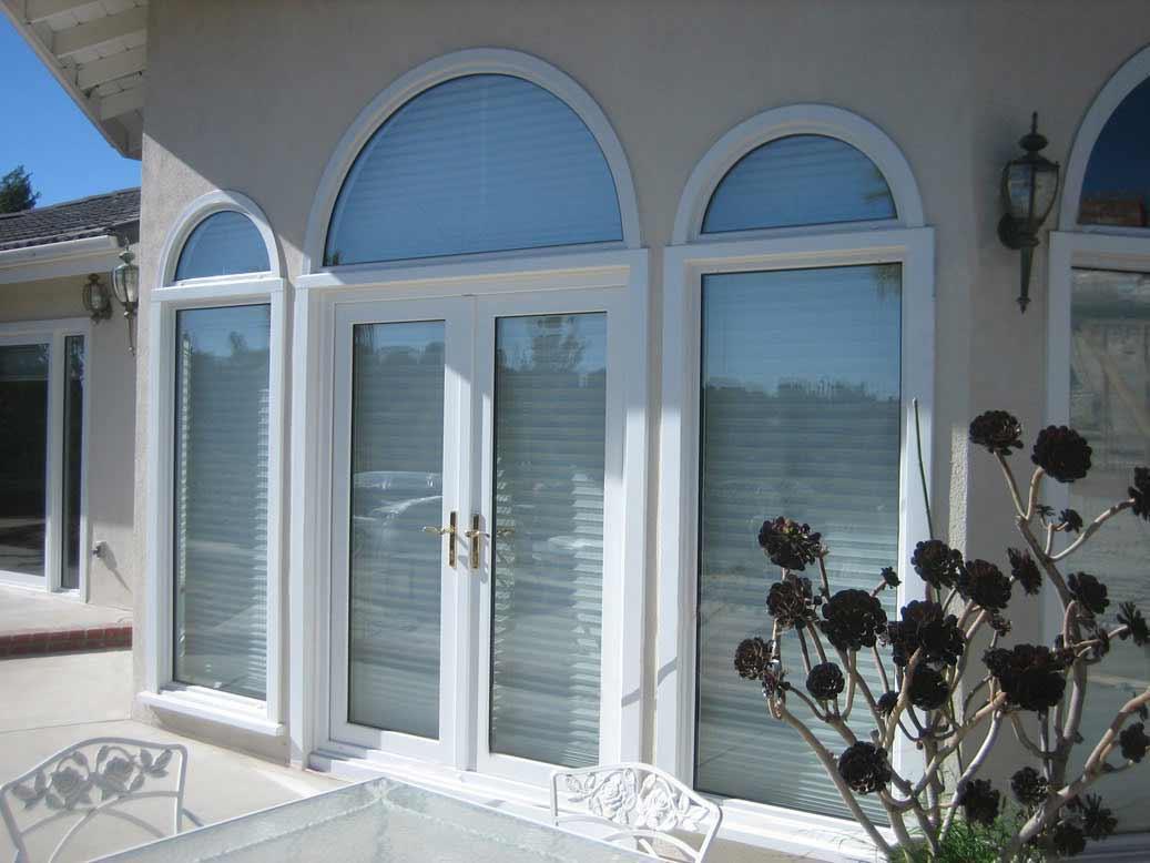 California Deluxe White Glass Doors And Windows 1